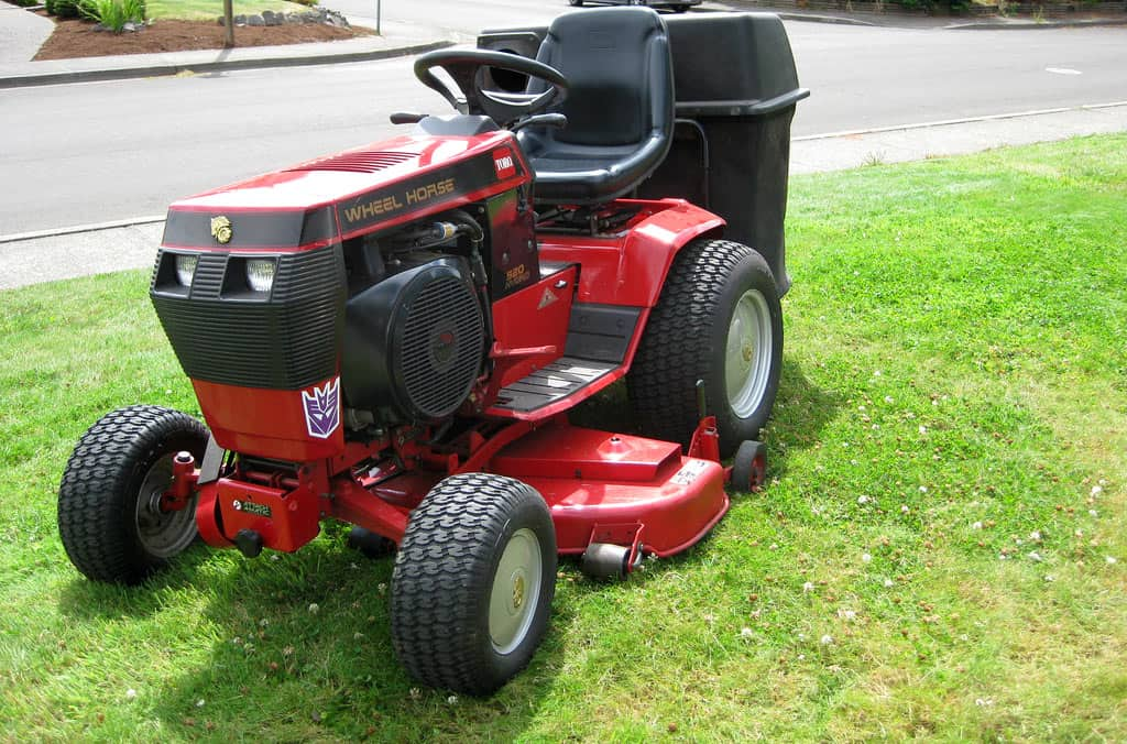 5 Of The Best Garden Tractor For Your Sizable Lawn Amp Heavy