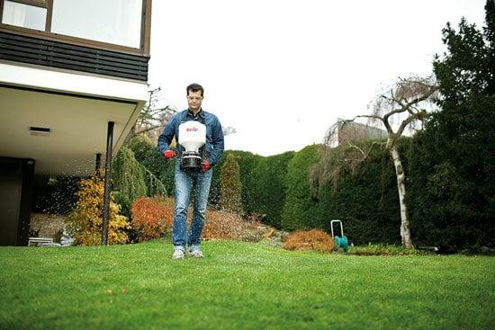 Best Fertilizer Spreader Solo 421 20 Pound Capacity Portable Chest mount Spreader 2