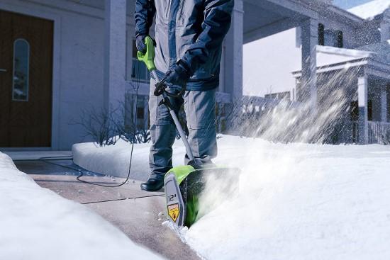 Greenworks 8 Amp Electric Snow Shovel Best Electric Snow Shovels 2
