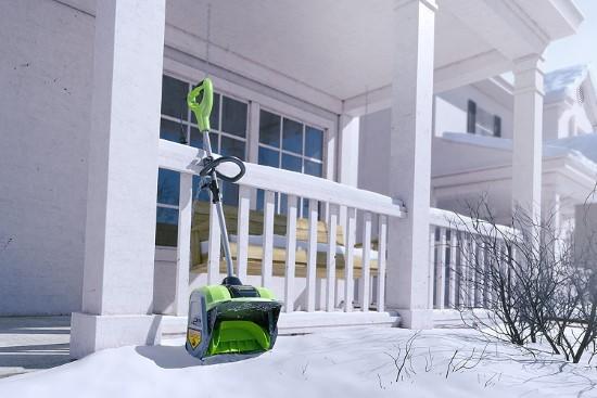 Greenworks 8 Amp Electric Snow Shovel Best Electric Snow Shovels